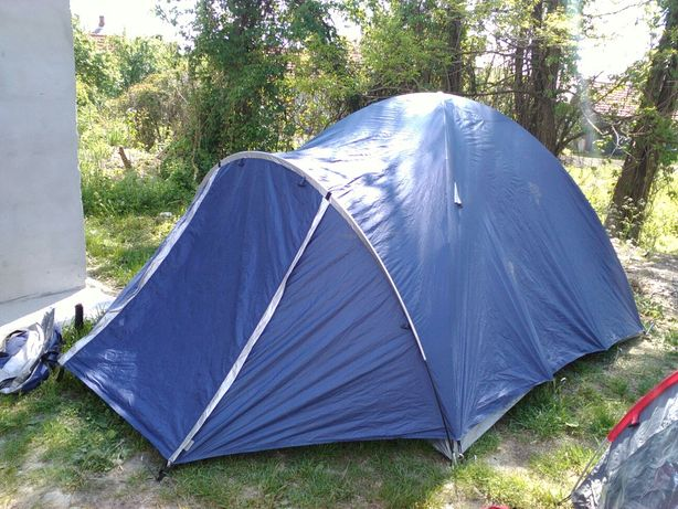 Палатка двохмістна