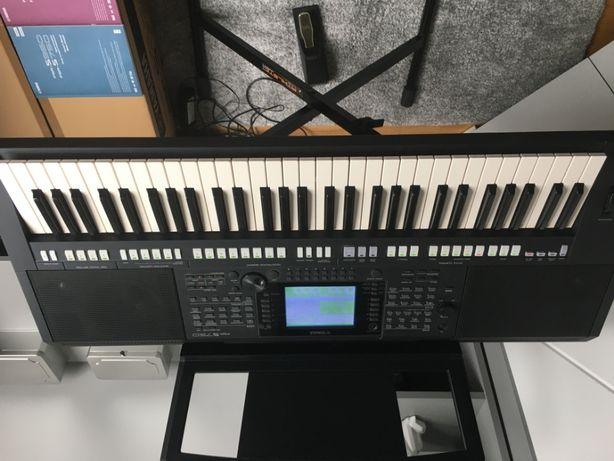 Keyboard YAMAHA PSR S 750