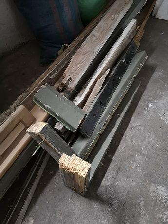 Oddam drewno, około 100 kg m.in. ze starej szafy