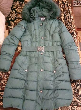 Зимня куртка пальто р. 40-42