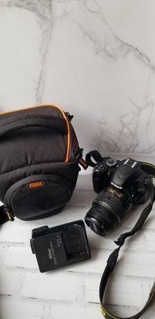 Nikon d3200 б/у фотоапарат  с флешкой на 16 гб