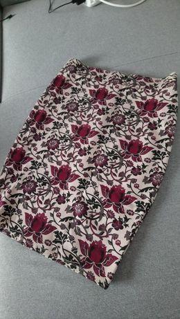 Ołówkowa spódnica Amisu bordowe kwiaty