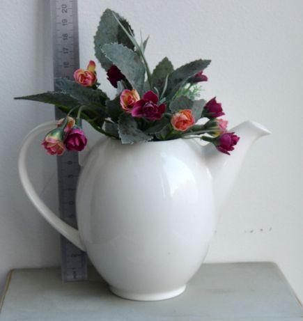 Ваза чайник с цветами