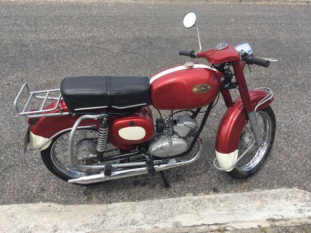 Zundapp mopede toda restaurada