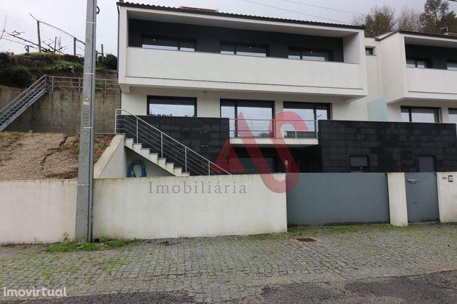 Moradia Geminada T3 em Sande São Lourenço, Guimarães