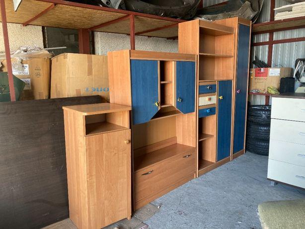 Meble młodzieżowe szafa komoda zestaw mebli Zadbane i niezniszczone