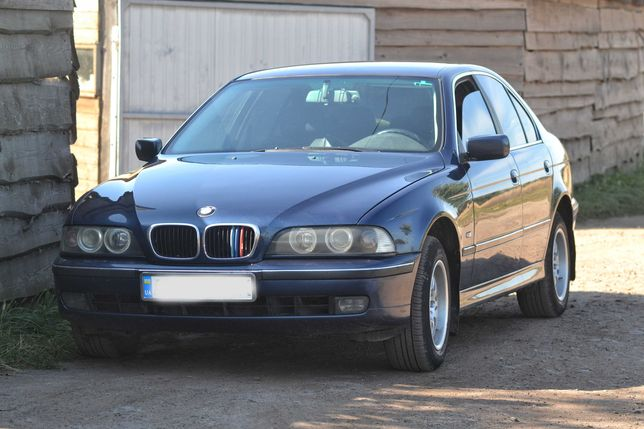 Продається атомобіль BMW 523 І e39