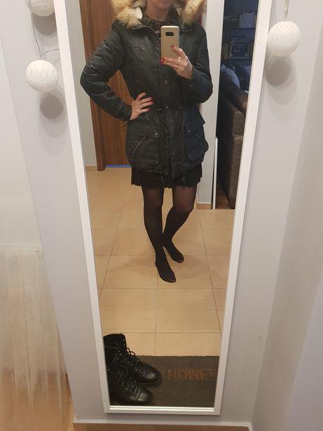 Czarna parka/ kurtka Billabong M z prawdziwym lisem