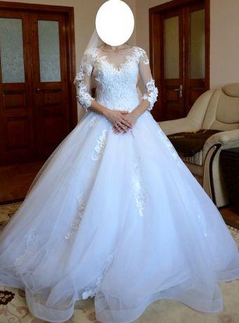 Весільне плаття)
