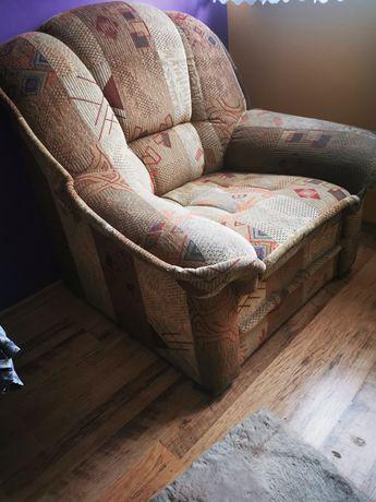 Fotel wraz z pufą