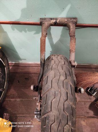 Задний маятник ,,подвеска,, иж под 160 колесо
