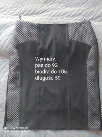 Czarna spodnica 44