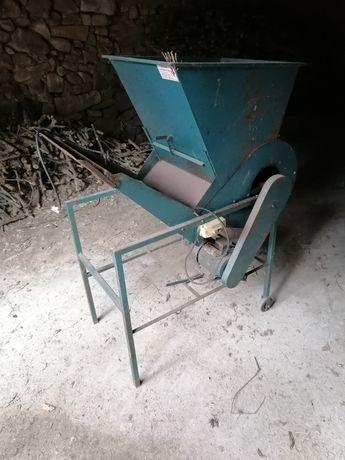 Máquina limpar azeitona