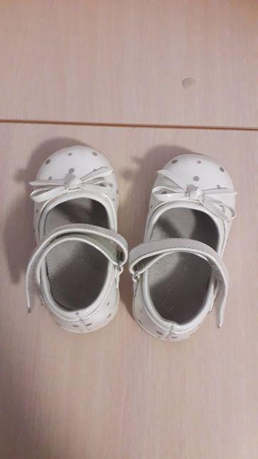 Продам лаковые туфельки