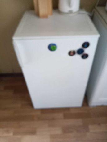 Продам офисный или для кухни холодильник, высота 85 см