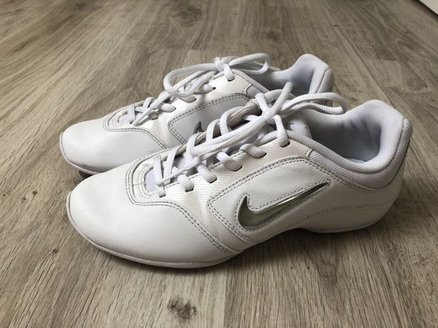 Nike Go! z USA r.36