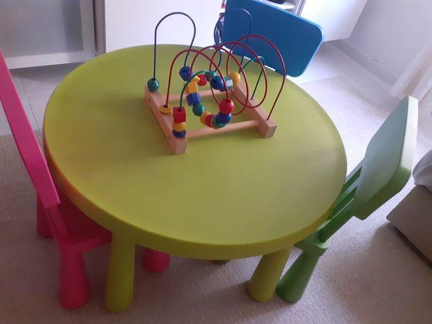 Mesa e cadeiras MAMMUT ikea