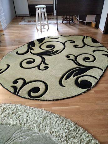 Продам килим овальної форми
