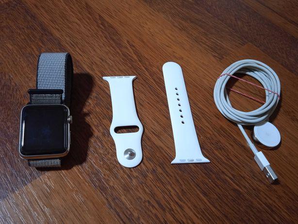 iWatch Apple (1 generacja) + ładowarka + dodatkowy pasek