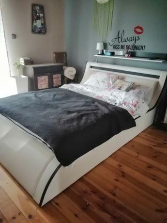Łóżko sypialne z pojemnikiem na pościel obniżka ceny