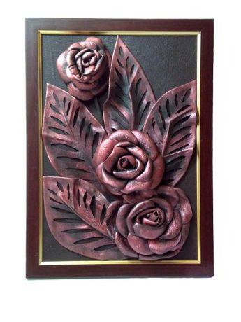 Картина из натуральной кожи бордовые розы