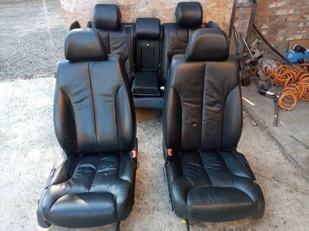 Чорний шкіряний салон, сидіння Volkswagen Passat B6 седан