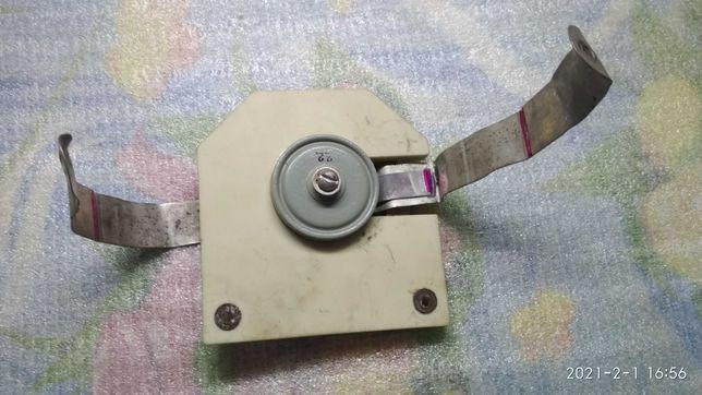 Конденсатор К15У1 на керамическом основании