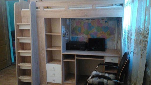 Комплект мебели -шкаф, кровать-чердак, парта