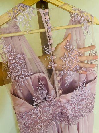 Vestido lilás para festa
