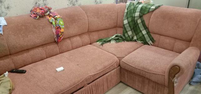 Отдам угловой диван для дачи