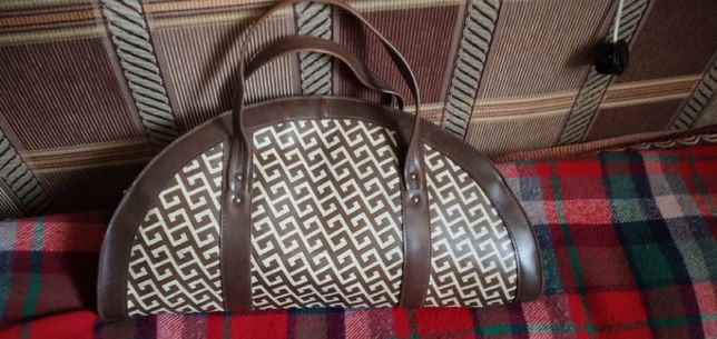 Продам женские винтажные сумки б/у