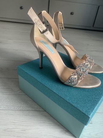 Sandałki na szpilce- slub - inna okazja - 40