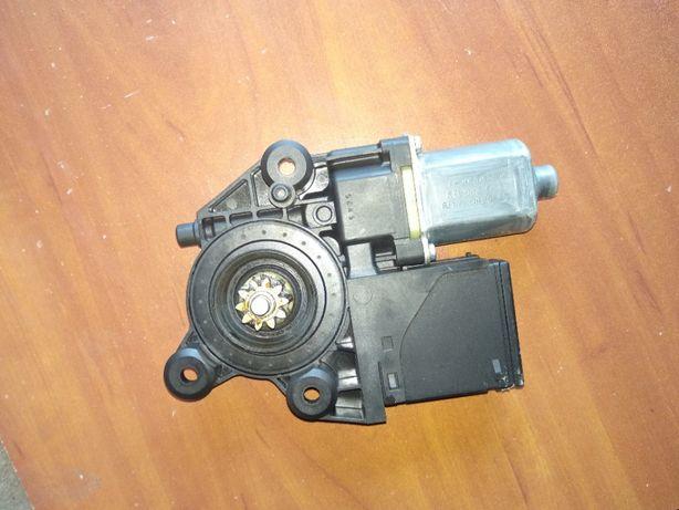 моторчик стеклоподъемника Renault Megan 3