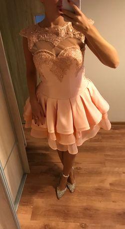 LOU- Brzoskwiniowa rozkloszowana sukienka z koralikami