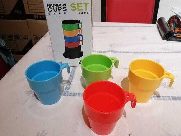 Conjunto de copos coloridos