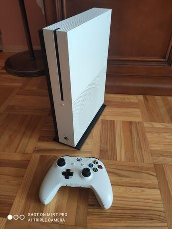 Xbox one s dysk 1TB + pad
