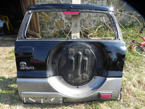 Toyota Rav4 00-05 KLAPA TYLNA TYŁ blenda nakładka