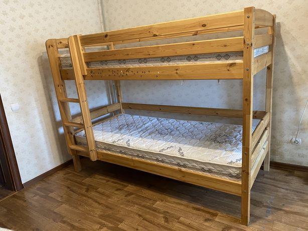 Срочно! Двухъярусная кровать из дерева Suwem