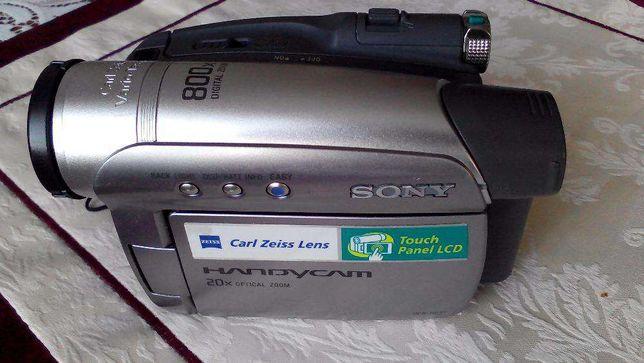 цыфровая видекамера SONY