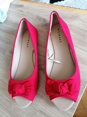 Baleriny/buty czerwone sinsay