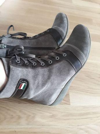 Черевики (ботинки) весняні 39р., Італія, стан нових!