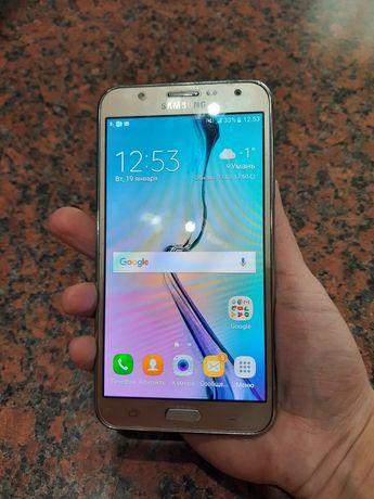 Телефон Samsung J 7