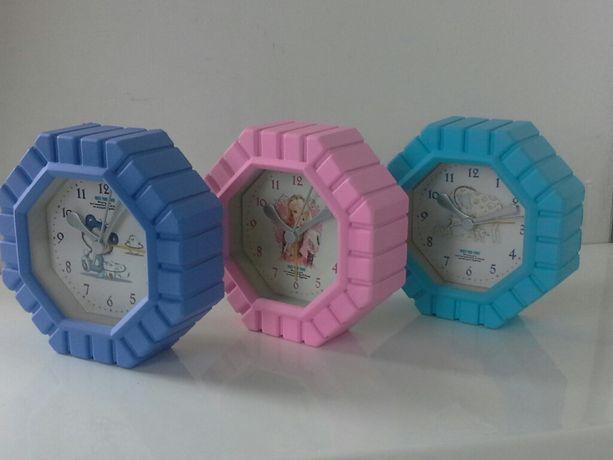 Настольные часы - будильник для детской.
