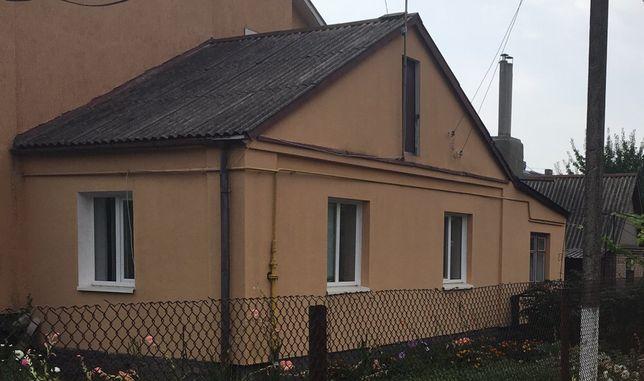 Будинок у Луцьку продаж! Півбудинку на Відродження,