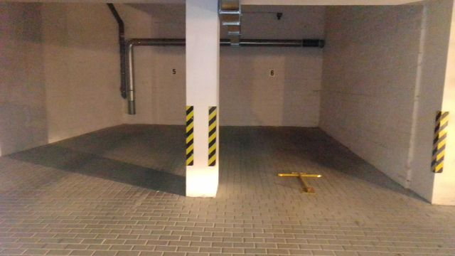 Wynajmę miejsce postojowe w garażu podziemnym