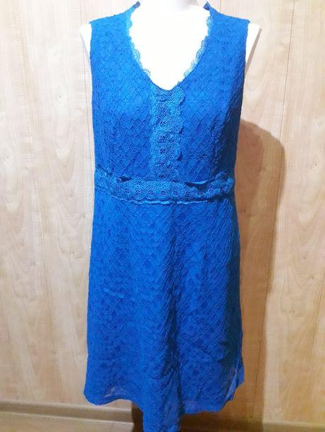 Orsay. Niebieska sukienka. Koronka.