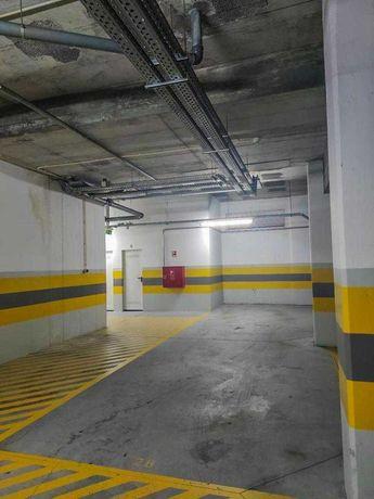Lugar de garagem em Leça da Palmeira