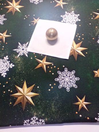 Bieżnik świąteczny gwiazdki na zielonym tle idealny prezent na święta