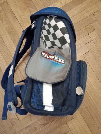 Ортопедичний рюкзак для учня