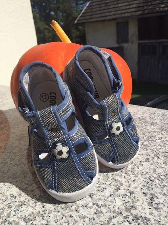 Buciki/ kapcie/ sandałki